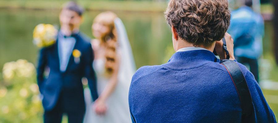 Engager un photographe professionnel pour un mariage