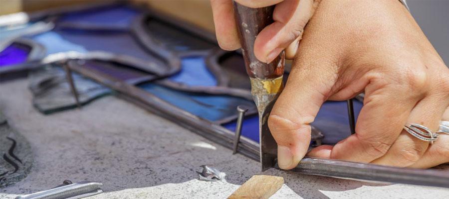 Réalisation de vitrail au plomb pour églises
